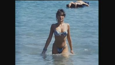 Sabrina Salerno è la sexy Mia Star in Professione Vacanze
