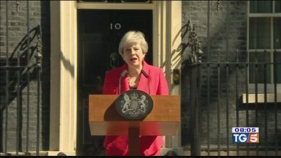 L'addio in lacrime di Theresa May