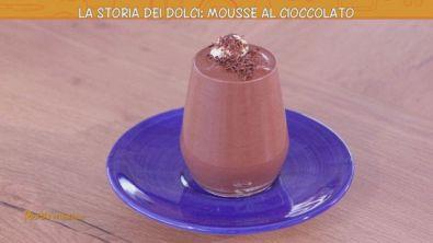 La storia dei dolci: la Mousse al cioccolato