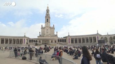 Portogallo, fedeli a Fatima ma in numero limitato