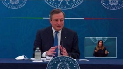 Draghi: Alitalia? Una cosa di famiglia, un po' costosa...