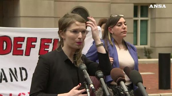 Chelsea Manning restera' in carcere