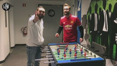 La maglietta firmata da Mourinho all'asta per la Waterpolo Ability