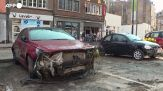 Belgio, auto distrutte e fango: i residenti ripuliscono la citta' dopo l'alluvione