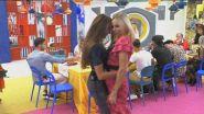 Balli caraibici tra Franceska Pepe e Stefania Orlando