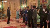 L'ultima apparizione pubblica della Regina Elisabetta prima del ricovero, fa gli onori di casa a Windsor