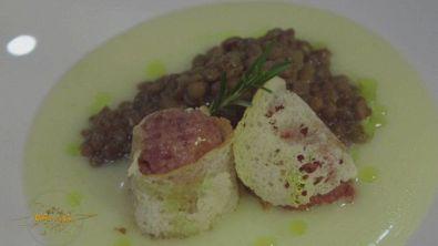 Polpette di cotechino e lenticchie su cremoso di patate