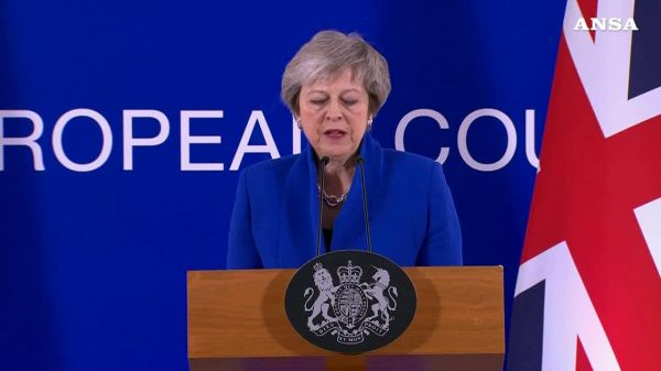 May a Westminster: la mia Brexit o il caos
