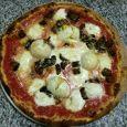 PIZZA FARCITA CON OLIVE PIZZERIA MILLE E UNA NOTTE