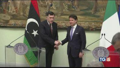 Libia, prove di intesa sì al cessate il fuoco