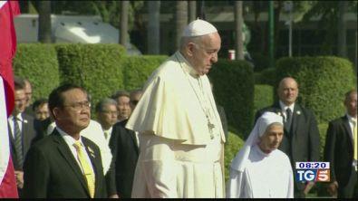 Il Papa in Thailandia basta allo sfruttamento