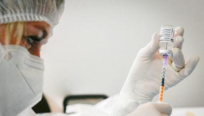 Vaccino Covid, le avvertenze dell'Ema sulla terza dose