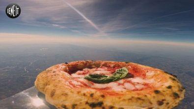 """La """"pizza space"""" decolla nello spazio"""