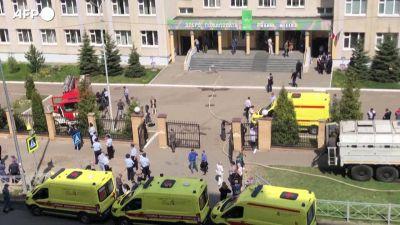 """""""Odio tutti"""" e spara a scuola, strage in Russia"""