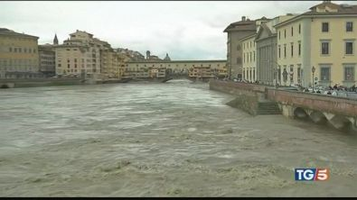Anche l'Arno fa paura chiusa l'Autobrennero