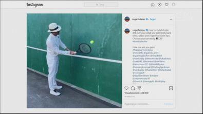 Federer, palleggi con eleganza
