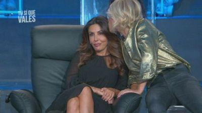 Sabrina Ferilli tra momenti ''particolari'' e il ritorno della ''pashmirina''