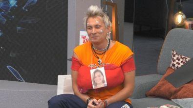 Andrea Mainardi interpreta Silvia Provvedi