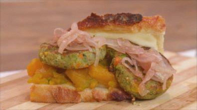 Pane di Altamura con mini burger vegetali