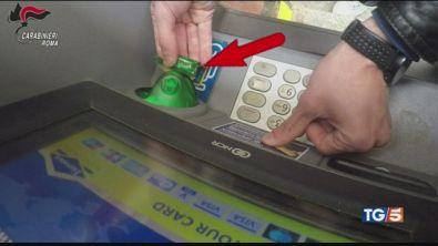 Truffa del bancomat ecco come difendersi