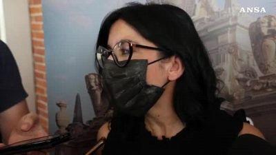 Covid, la ministra Dadone ai giovani: 'Vaccinatevi e mettete la mascherina'